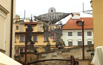 Schwuler Reiseführer Prag Film Museum of Illusionist Karl Zeman | Gay Couple City Weekend Prague © CoupleofMen.com