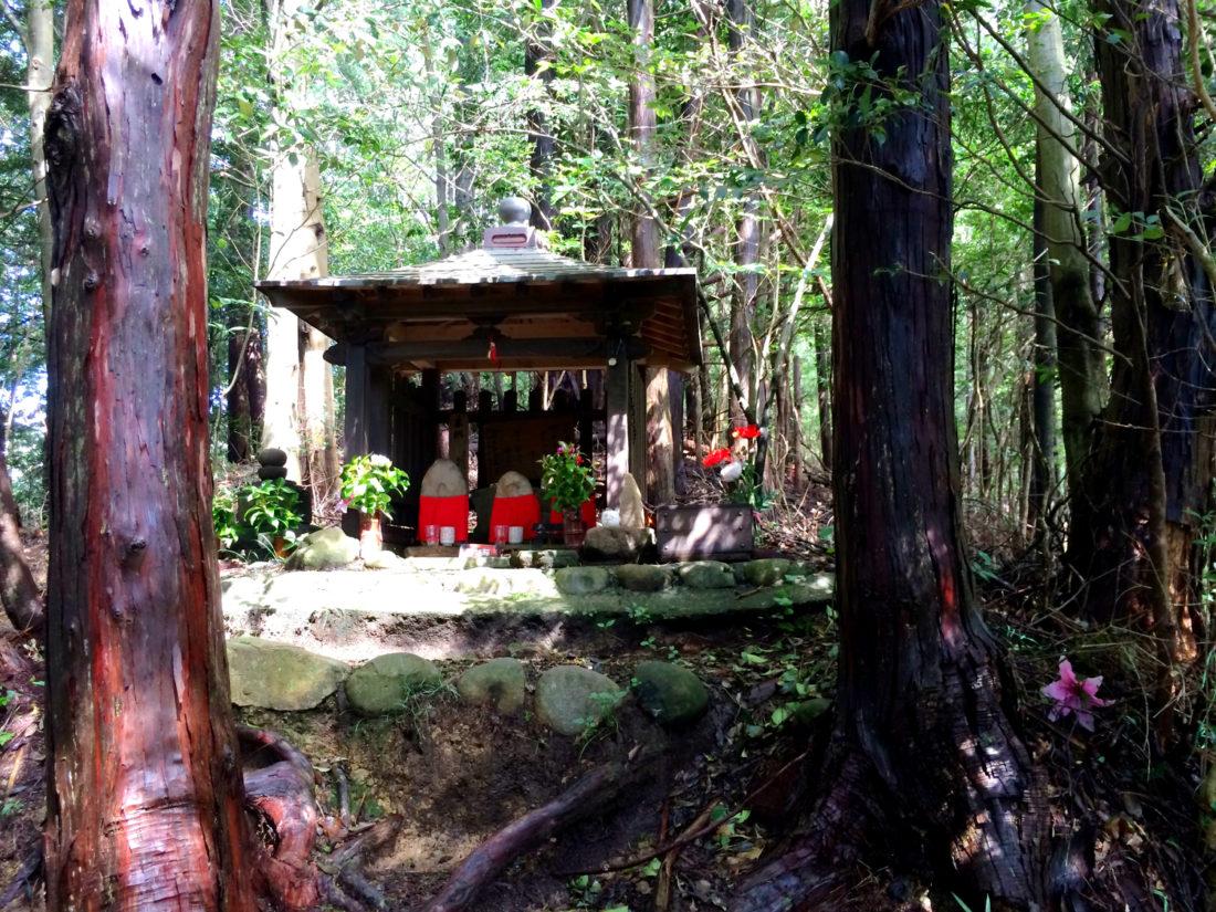 Holy shrines along the Kumano Kodo trail © CoupleofMen.com