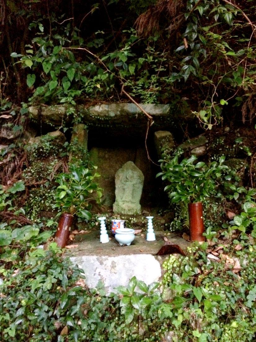 Pilgrimage shrines along the Kumano Kodo trails © CoupleofMen.com