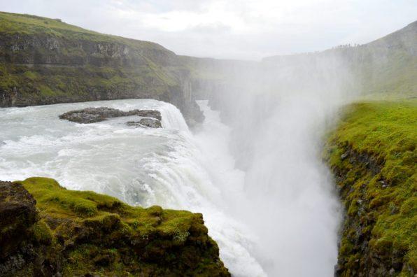 Gullyfoss Waterfall Iceland | Golden Circle Tour Iceland Þingvellir Geysir Gullfoss © CoupleofMen.com