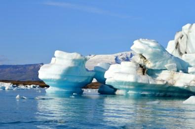 Different forms of hundreds of icebergs   Zodiac Tour Glacier Lagoon Jökulsárlón © CoupleofMen.com