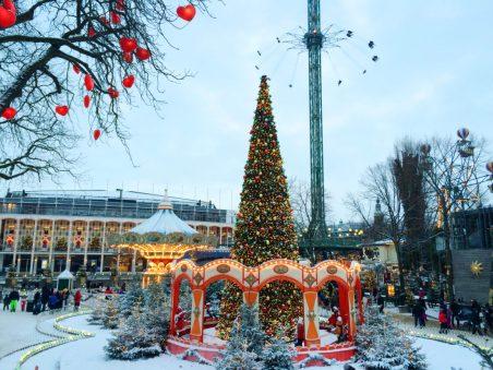 Christmas decoration | Gay Travel Guide Tivoli Gardens Copenhagen Winter © Coupleofmen.com