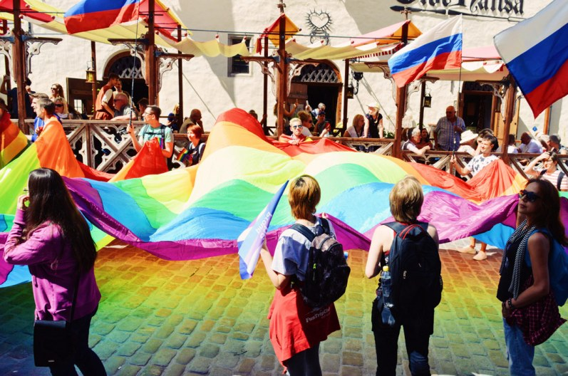Gigantic rainbow flag for Baltic Pride 2017 Tallinn Best Powerful LGBTQ Photos © CoupleofMen.com