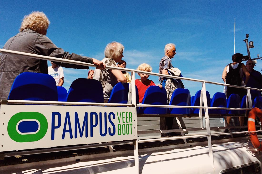 Gay Fahrradtour Amsterdam Muiden Pampus Ferry Muiden to Pampus | Gay Couple Biking Tour Fort Island Pampus © CoupleofMen.com
