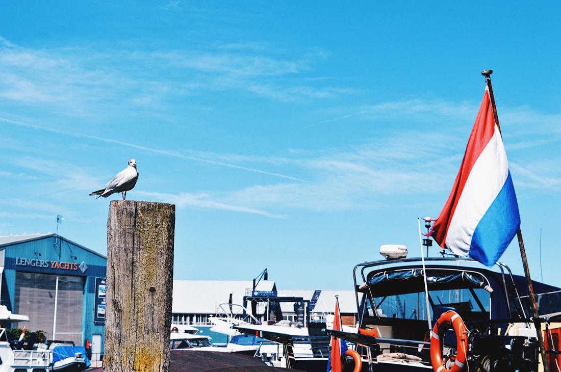Muiden Harbor | Gay Couple Biking Tour Fort Island Pampus © CoupleofMen.com