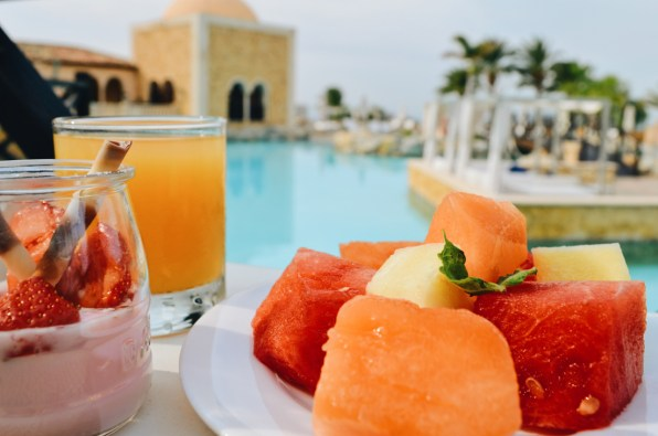Breakfast with pool view | The Level Meliá Villaitana Benidorm gay-friendly © CoupleofMen.com