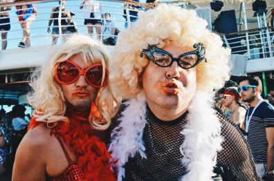 Wanna have a Disco kiss? | Disco T-Dance Party The Cruise 2017 © CoupleofMen.com