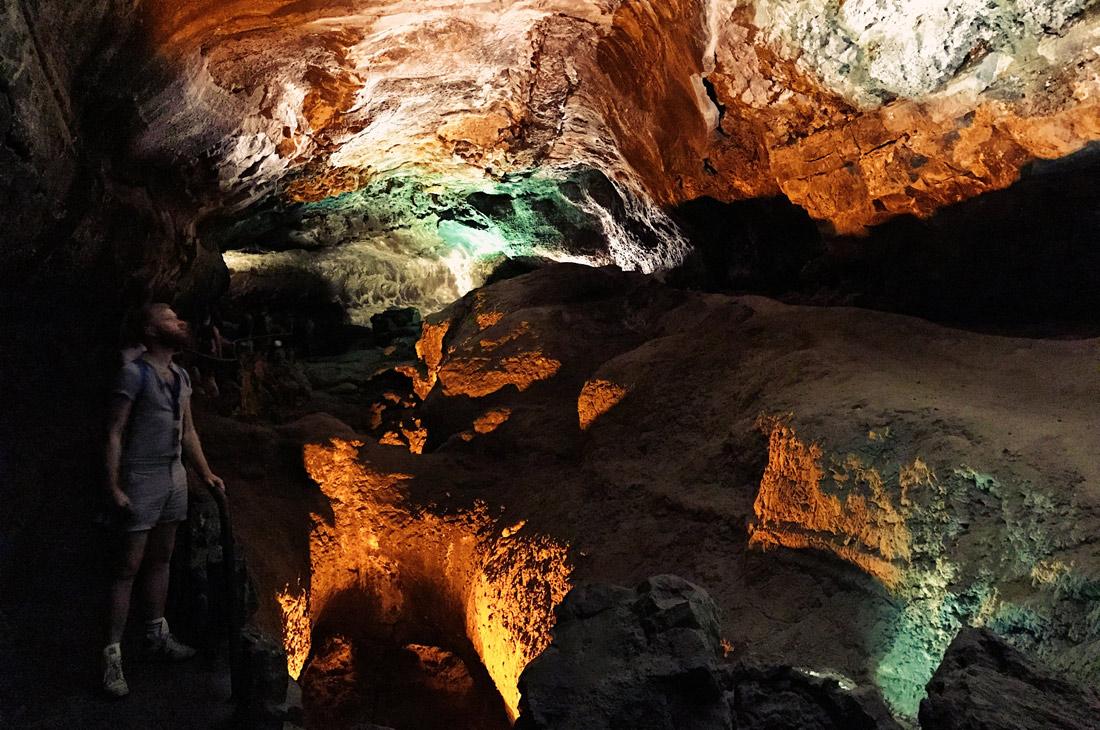 Lava Cave Cueva de los Verdes, Lanzarote © CoupleofMen.com