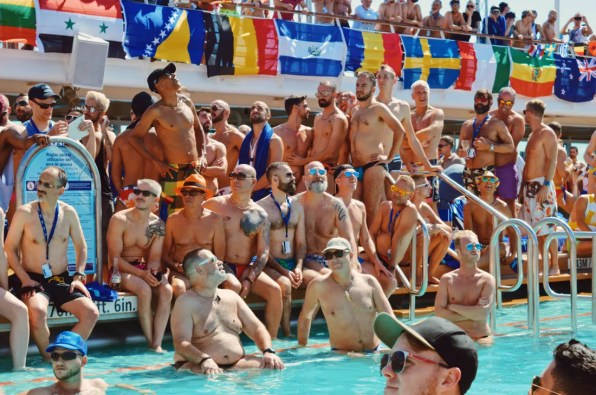 Mr. The Cruise 2017 audience | Gay Couple Travel Diary The Cruise 2017 © CoupleofMen.com