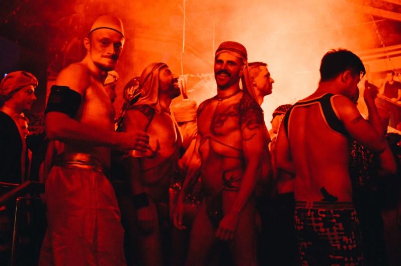 Sexy moments of the 1001 Arabian Nights © CoupleofMen.com