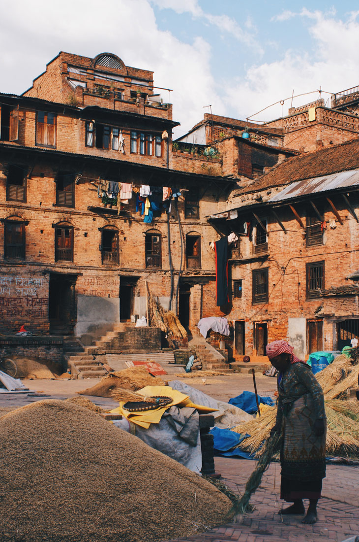 Working Nepalese woman in Bhaktapur | Gay Travel Nepal Photo Story Himalayas © Coupleofmen.com