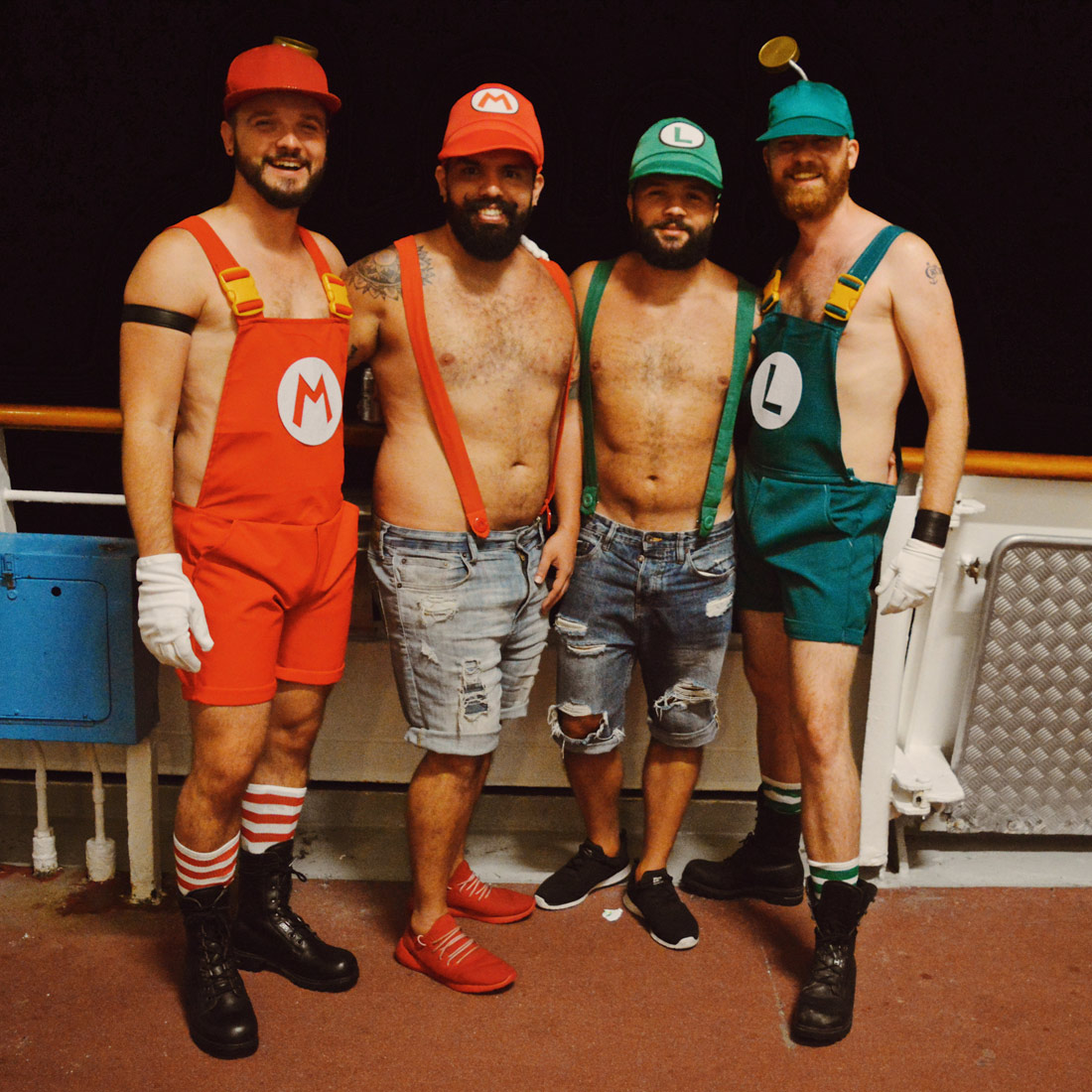 Making new friends from Costa Rica: Super Mario Brothers! © CoupleofMen.com