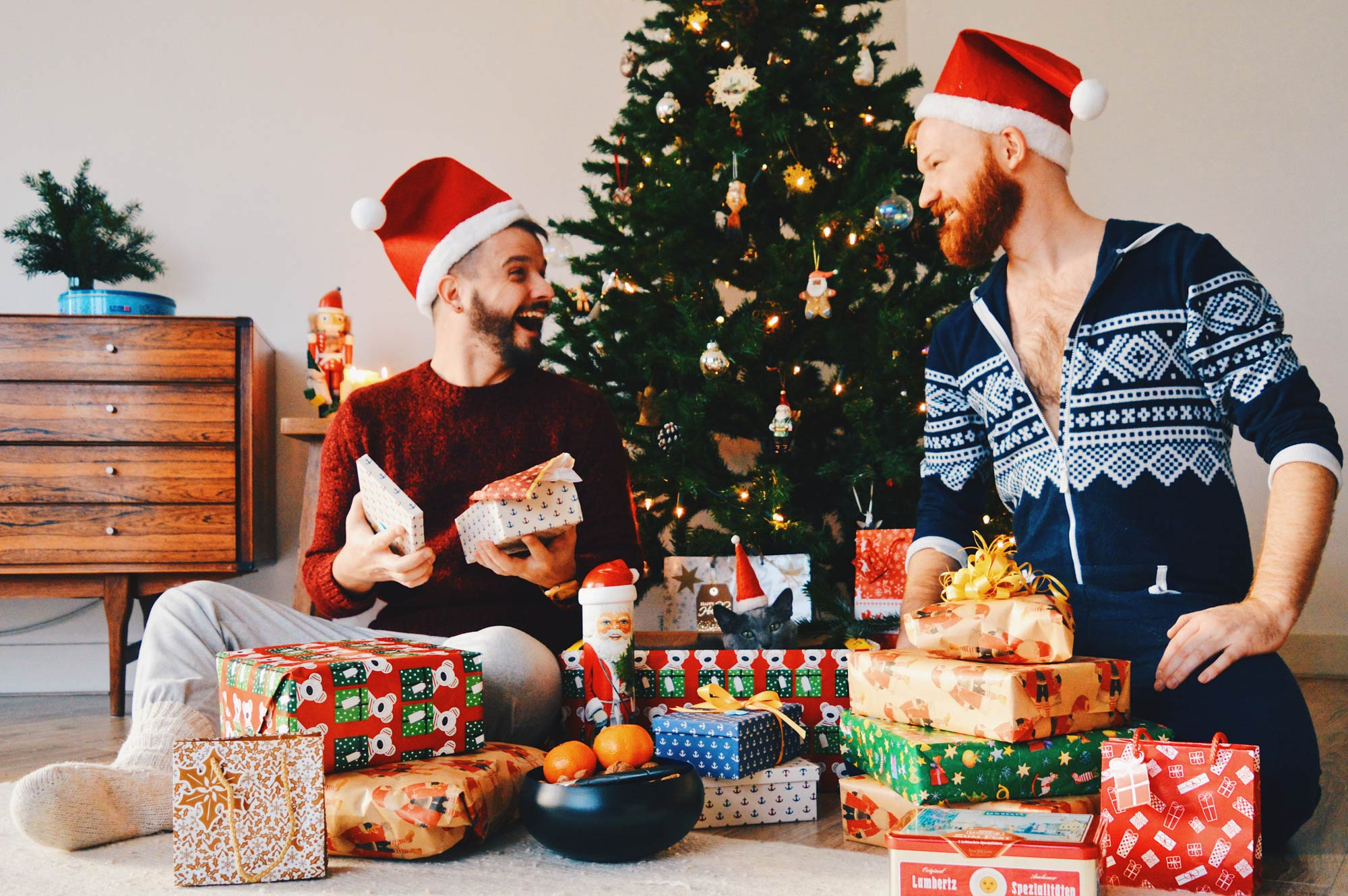 Our Top 10 Gay Traveler Christmas Gift Ideas Coupleofmen Com