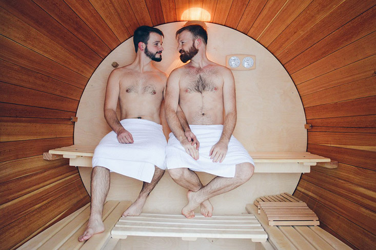 Slumber Wine Barrel at Taufsteinhütte: Review of our gay-friendly Stay in Central Germany