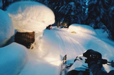 More than a meter snow in Whistler | Zip Lining Snowmobiling TAG Whistler Gay-friendly © Coupleofmen.com