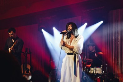 Gay Städtetrip Salzburg Amazing performance by Conchita during the first edition of the Pitter Star Night | Travel Salzburg Gay Couple City Trip © coupleofmen.com