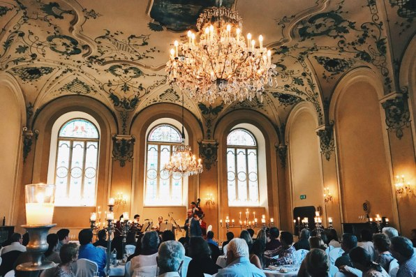 Gay Städtetrip Salzburg Baroque Hall at St. Peter's Abbey | Travel Salzburg Gay Couple City Trip © coupleofmen.com