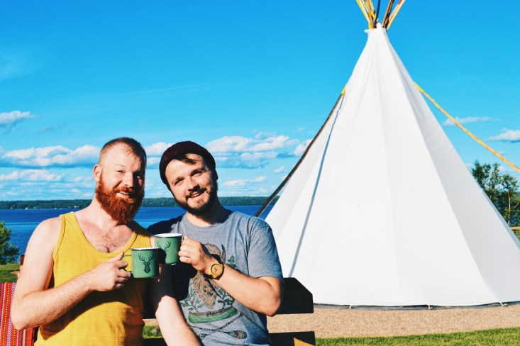 Sleeping in a Tipi at Lac La Biche right at the lakeside | Road Trip Edmonton Northern Alberta © Coupleofmen.com