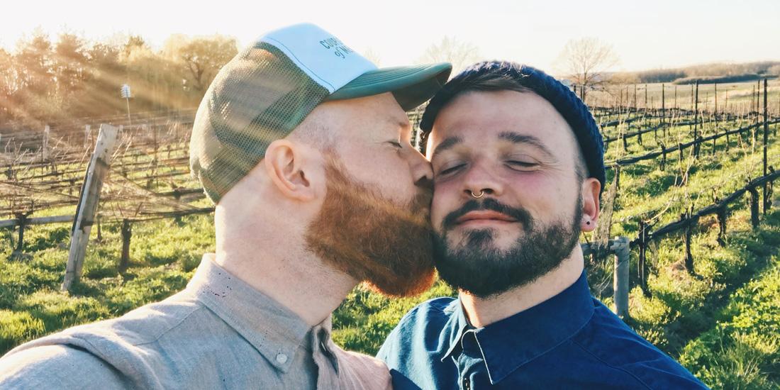 Niagara Falls gay dating regler för att dejta en man i armén