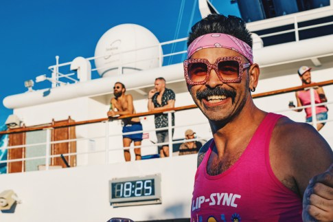 So many chances to Lip-Sync for your life | Gay Cruise by Open Sea Cruises x Axel © Coupleofmen.com