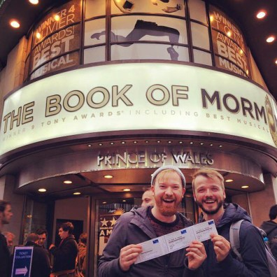 We won two tickets for the book of mormon at the Ticket Lottery | Kurztrip London Tipps Tricks © Coupleofmen.com