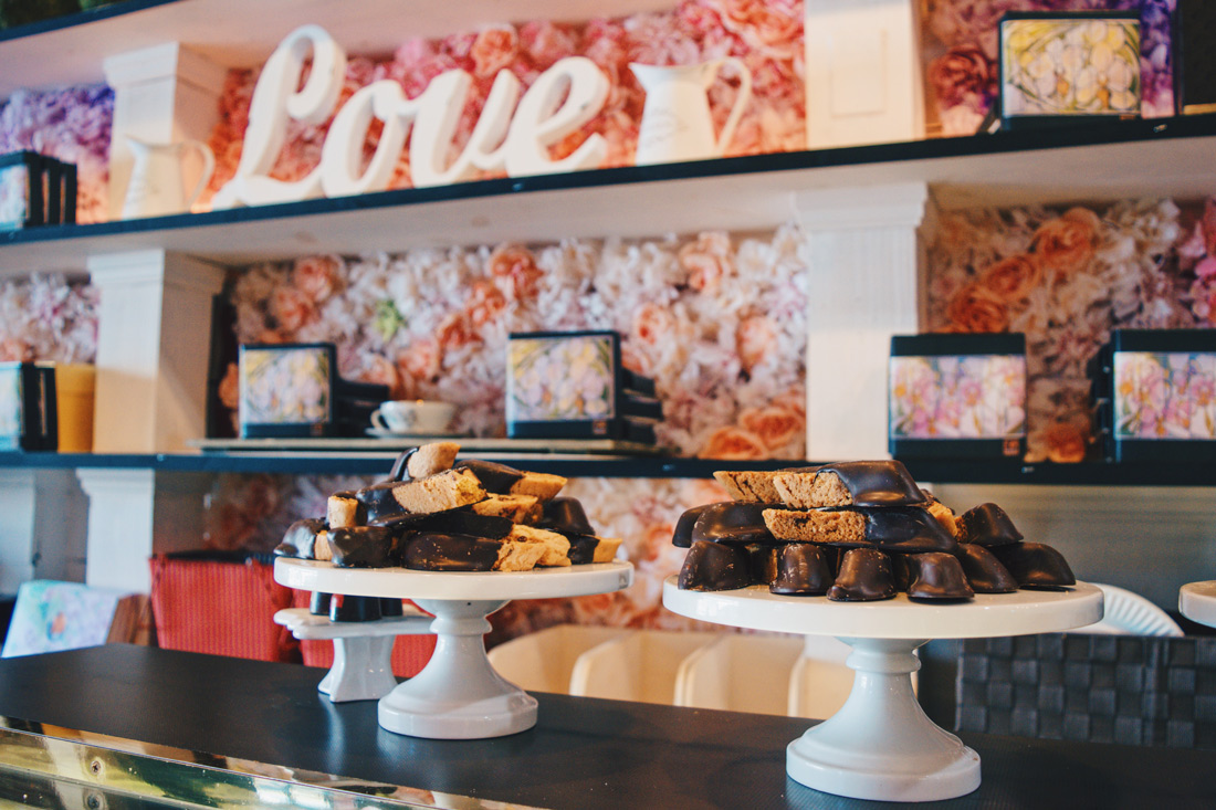 The best organic chocolate bars and fine delectable chocolate creations at Oliver Kita Chocolates in Rhinebeck © Coupleofmen.com