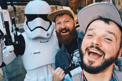 Disney-Star-Wars-Land-Galaxys-Edge-Star-Wars-Trooper-Selfie