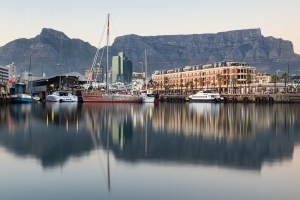 V&A Waterfront with Table Mountain in the background © Coupleofmen.com