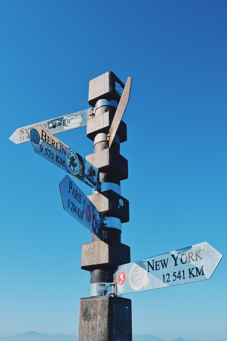 Signpost on the view platform of the (new) Cape Point Lighthouse © Coupleofmen.com