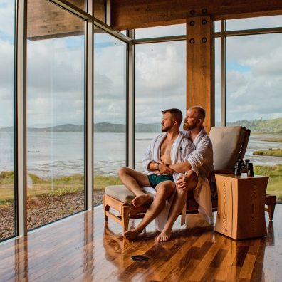 Relaxing at Salishan Resort and Spa © Coupleofmen.com