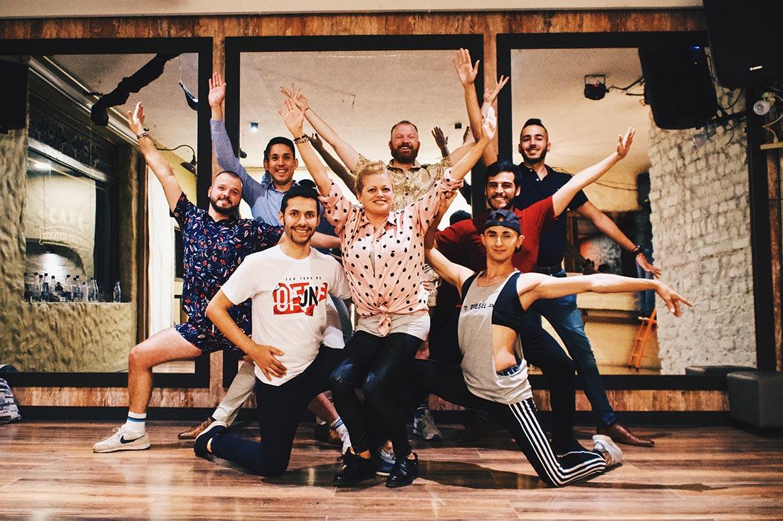 Gay Bogotá Reisetagebuch A real Colombian experience: Salsa Lessons with The Bogota Salsa Tour © Coupleofmen.com