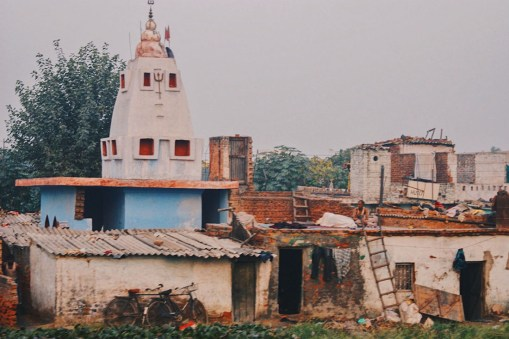 Gay Reise Indien Housing situation in the outskirts of New Delhi, India © Coupleofmen.com