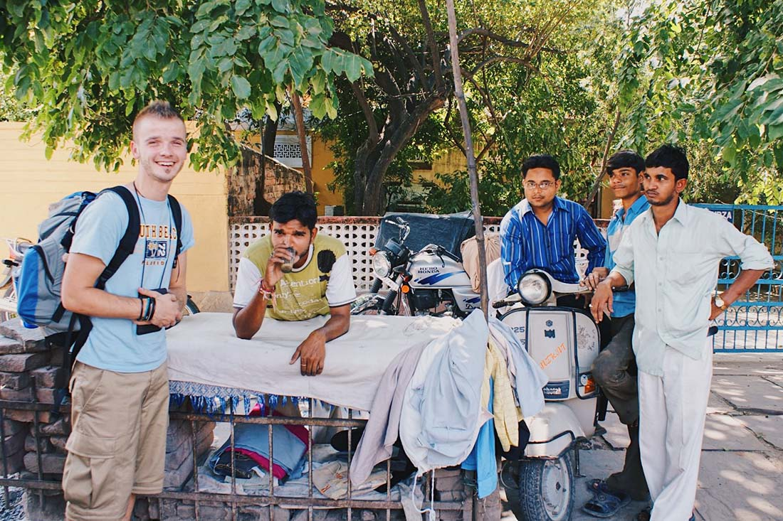 From Agra to Jhansi - Karl meeting locals before he started his trip to Khajuraho © Coupleofmen.com