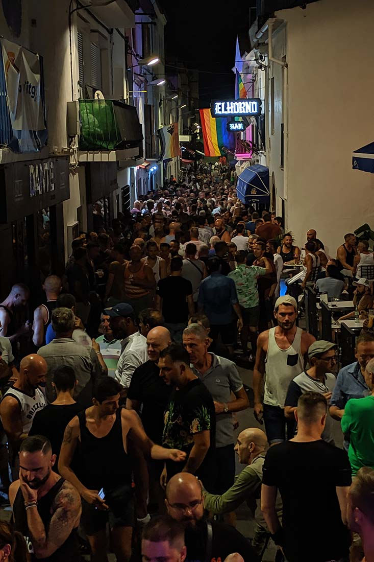 Sitges lively Gay Bars on an average week day