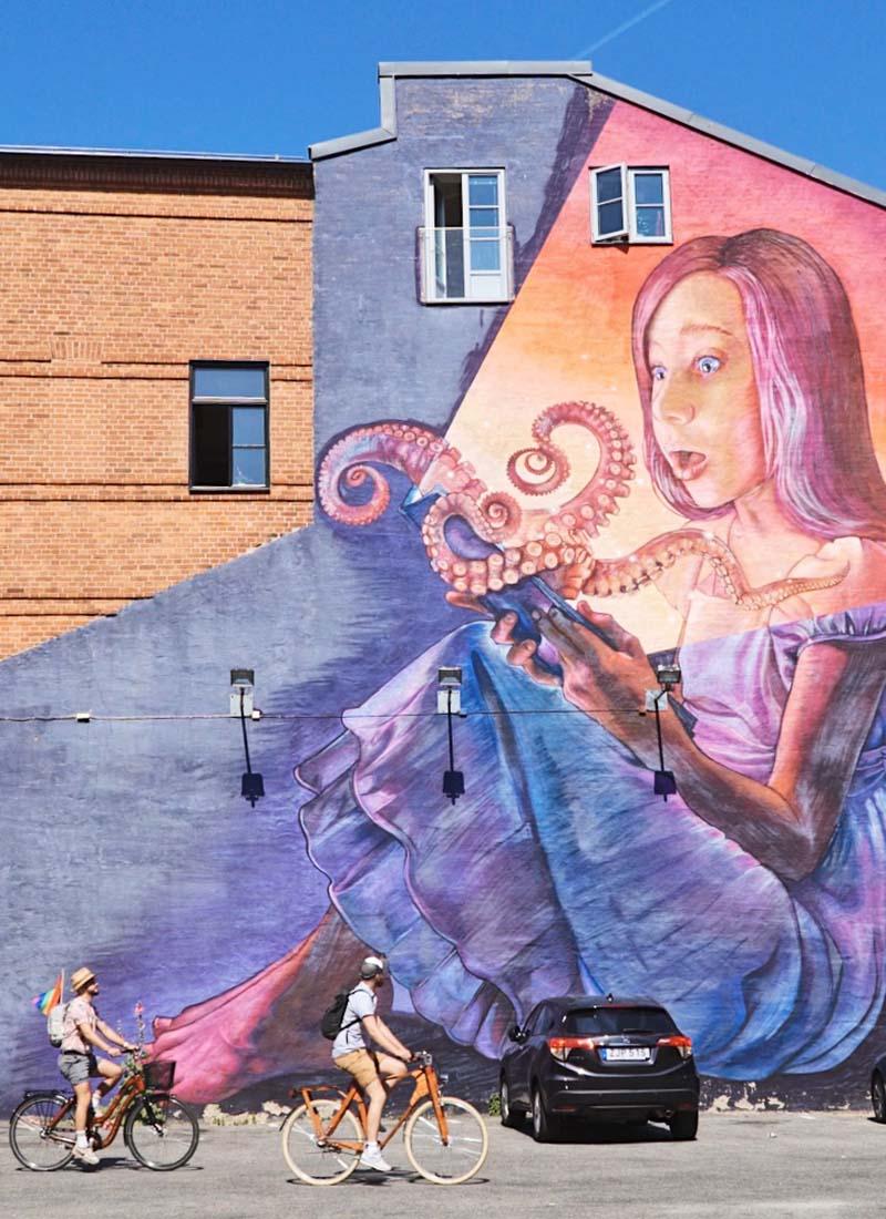 Fantastic street art and graffiti all around the city © Coupleofmen.com