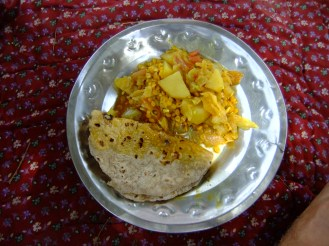 Amazing fresh chapati and veggie curry whipped up in the desert, India