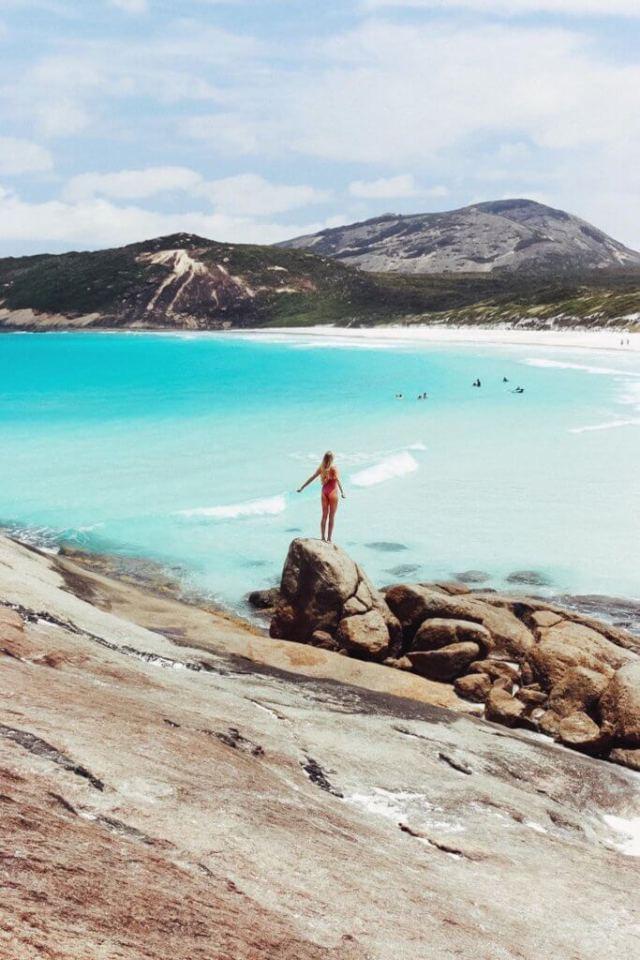 Couples coordonne esperance australie occidentale alex at hellfire beach feature image