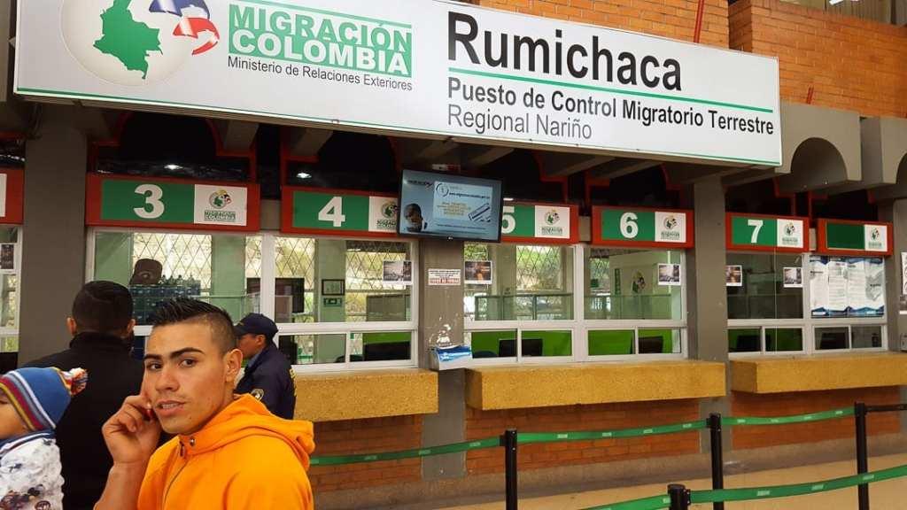 Quito Ipiales Border Crossing, Quito Colombia Immigration, Quito colombia border, Quito Colombia Bus, Ecuador Colombia border, How to get from Quito to Ipiales bus border, how to cross Ipiales Ecuador border