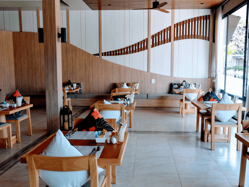 An-image-of-fine-dining-on-Aonang-Beach