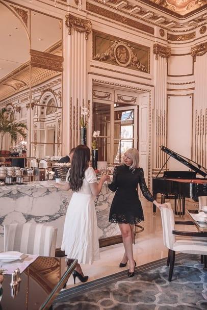 best paris lunch, le lobby restuarant, L'oiseau Blanc Restaurant, peninsula paris hotel, michelin star restaurants paris lunch, best restaurants in paris, paris restaurant with a view, , paris restaurants with a view