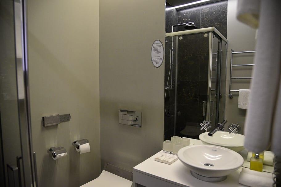 Bathroom Astoria Hotel Lviv