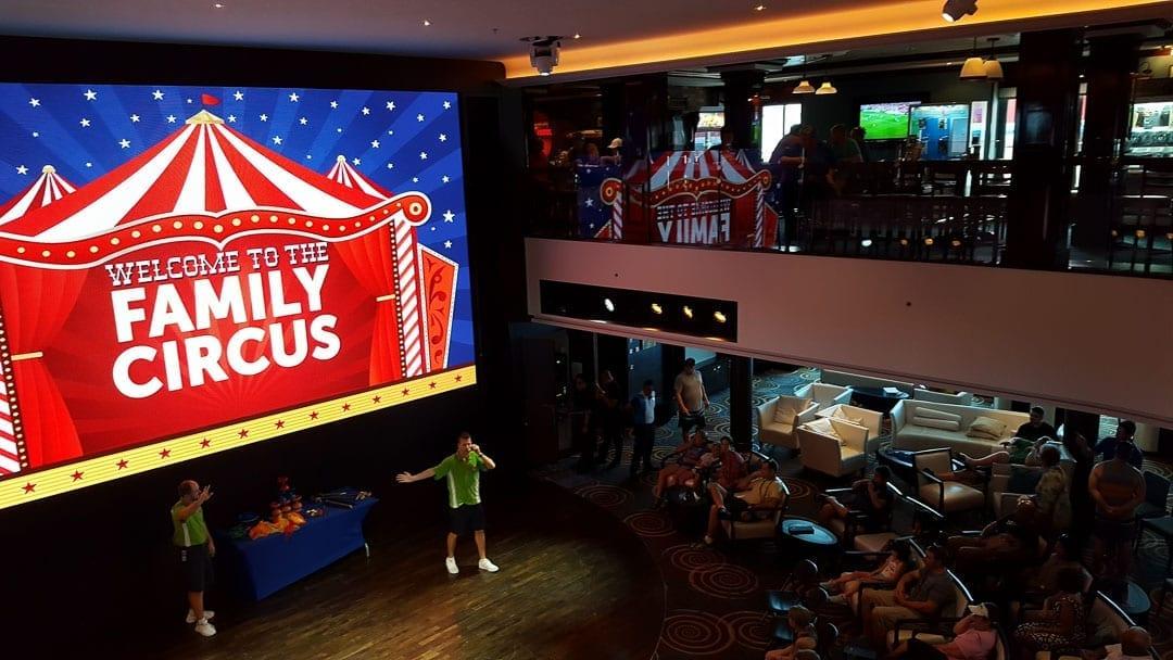 family-entertainment-on-norwegian-getaway-the-family-circus-show