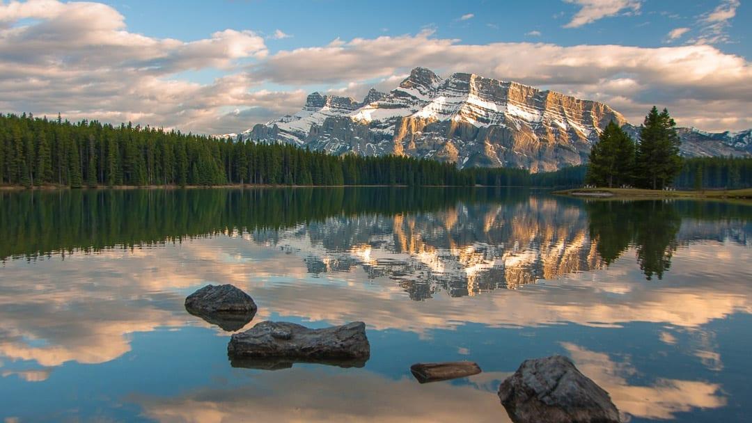 Two Jack Lake | Hike Banff Locals' Secret Picnic Spot