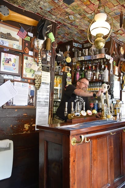 the-nutshell-smallest-pub-in-england-uk