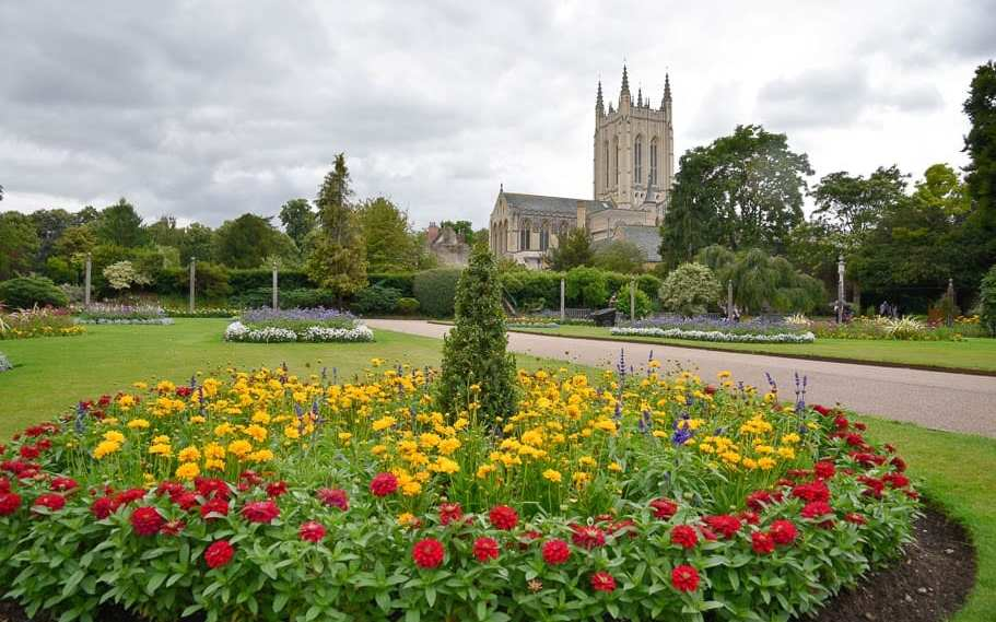 7 Amazing Things to do in Bury St Edmunds (An overnight guide)!