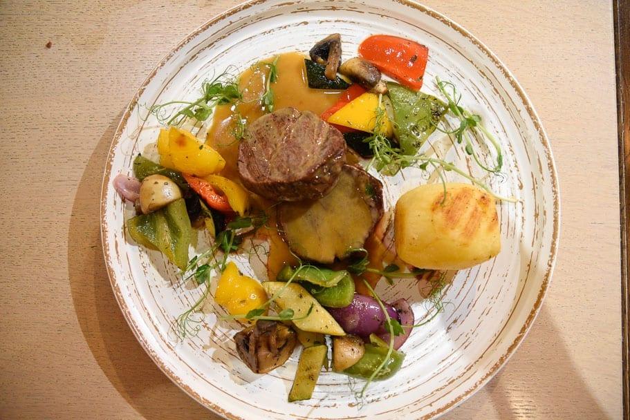Hilton-Garden-Inn-Krakow-steak