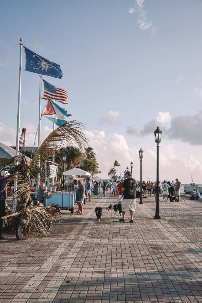 FREE-THINGS-TO-DO-IN-KEY-WEST-mallory-square
