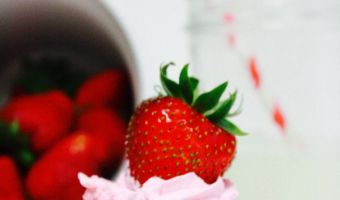 Strawberry Dessert Recipes: Easy 3 Ingredient Strawberry Dip