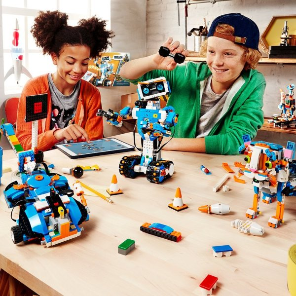 LEGO Boost Creative Toolbox Building and Coding Kit -