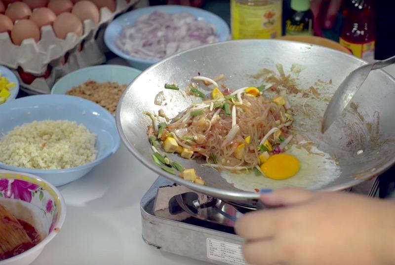 street food style pad thai